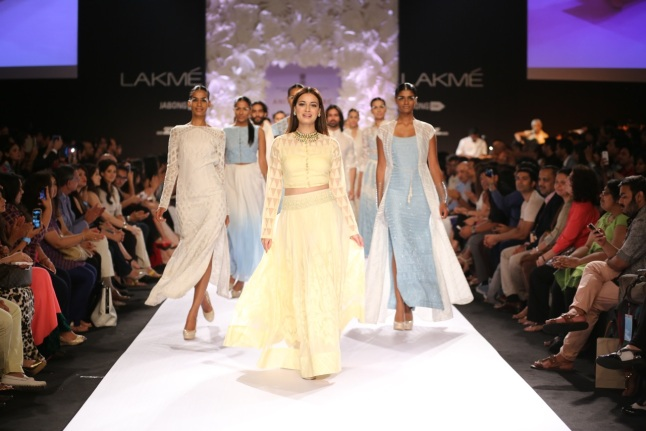 Indian Asian Fashion Blog UK Anita Dongre 4