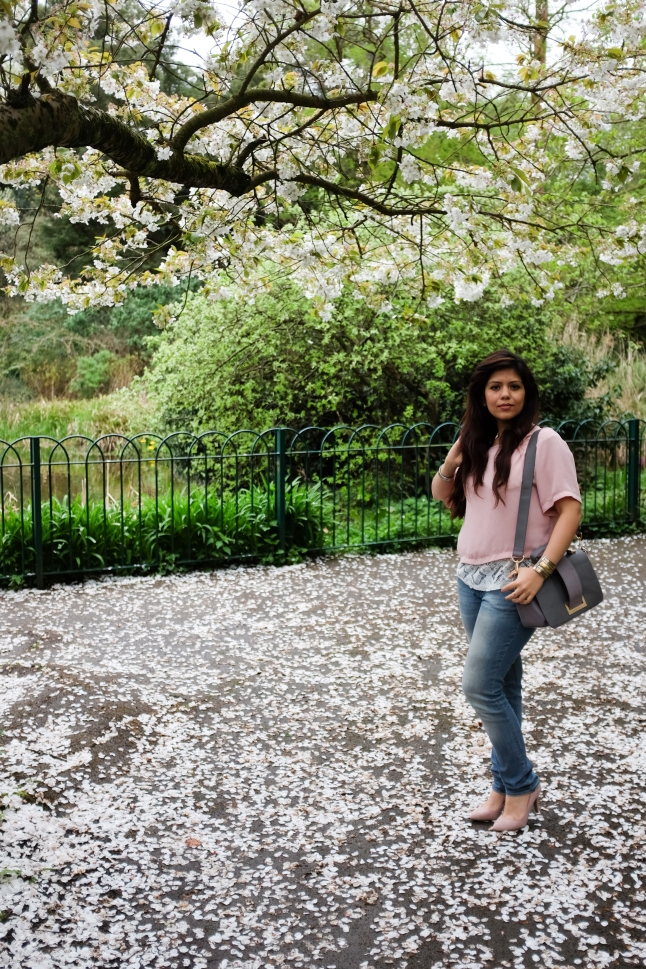The Red Notebook fashion stylist Indian fashion blogger blok UK onion